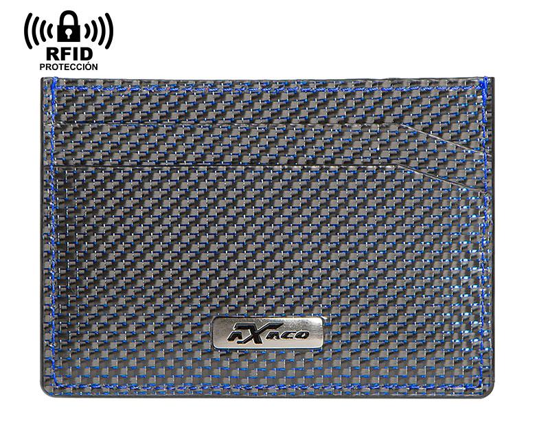 Tarjetero de fibra de carbono y piel para hombre de color azul con sistema de protección anti RFID incorporado y capacidad para 4 tarjetas.